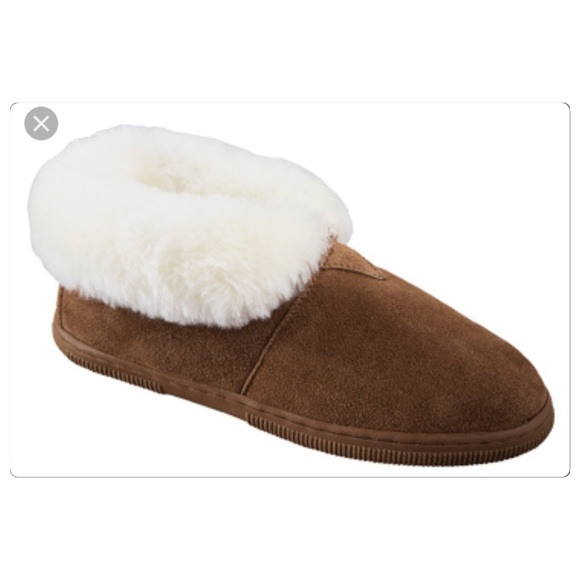 5a05a8ac111c NWT Mens BearPaw Sheepskin Slippers